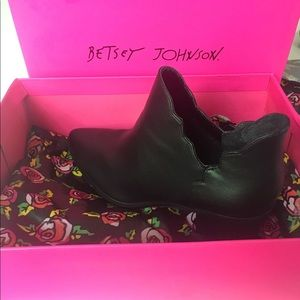 Betsey Johnson Shoes - Betsey Johnson black leather boots